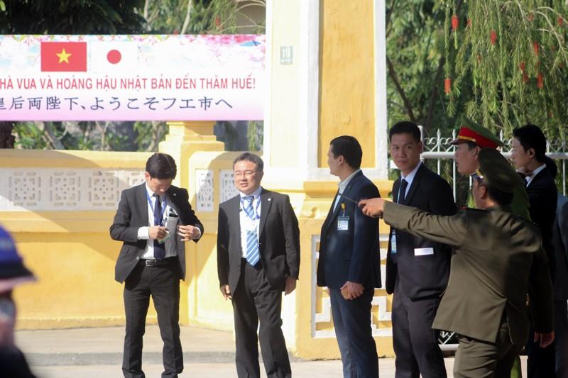 Nhật hoàng thăm nhà lưu niệm Phan Bội Châu - ảnh 1