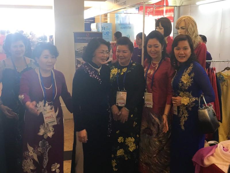 Khai mạc Đối thoại công - tư về Phụ nữ và Kinh tế APEC - ảnh 3
