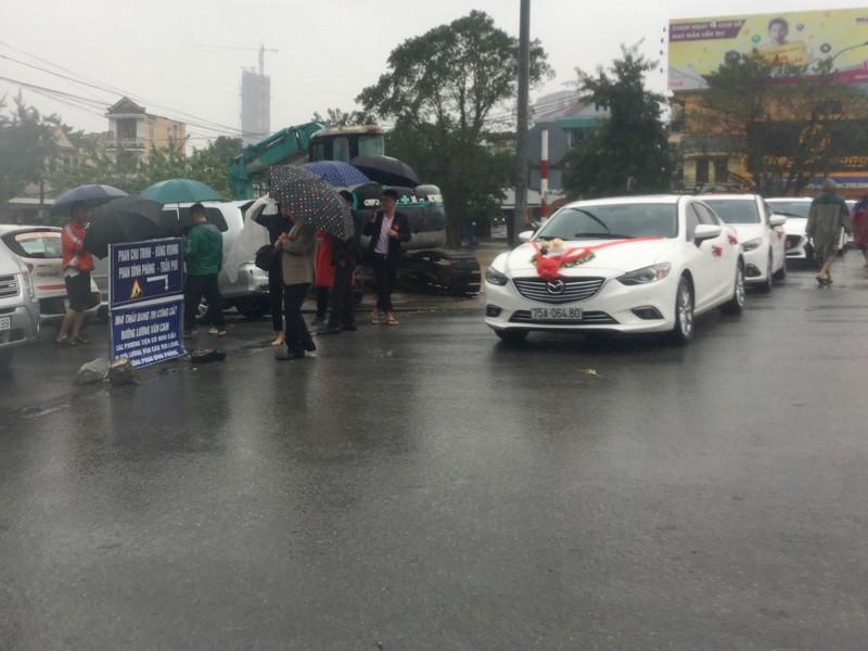 Mưa lớn, nhiều nơi ở Thừa Thiên-Huế bị ngập nặng - ảnh 5