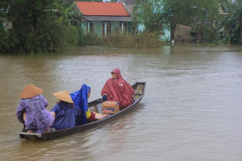 Lũ vẫn đang chia cắt vùng trũng Quảng Điền - ảnh 8