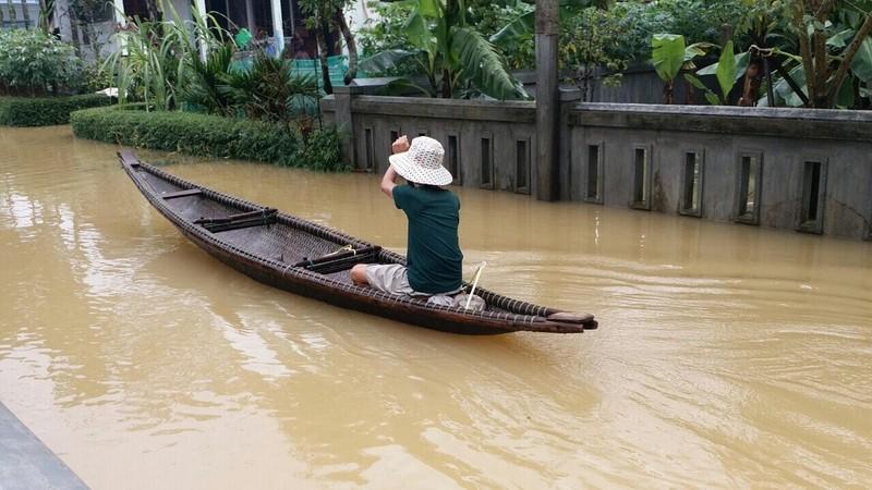 Lũ vẫn đang chia cắt vùng trũng Quảng Điền - ảnh 4