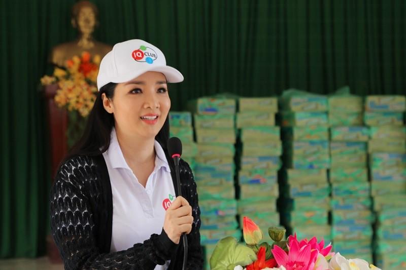 Hoa hậu Giáng My thăm và tặng quà người dân vùng lũ - ảnh 3