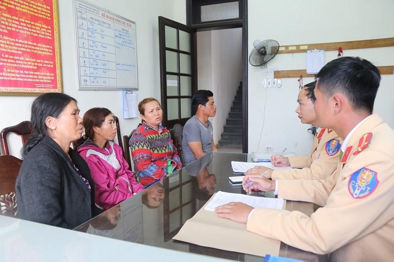 Bắt hàng chục vụ khai thác trái phép cát ở sông Hương - ảnh 1
