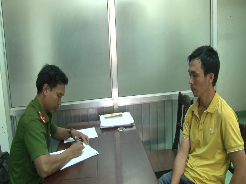 Tài xế cầm taxi ở Huế, bị bắt tại TP.HCM - ảnh 1