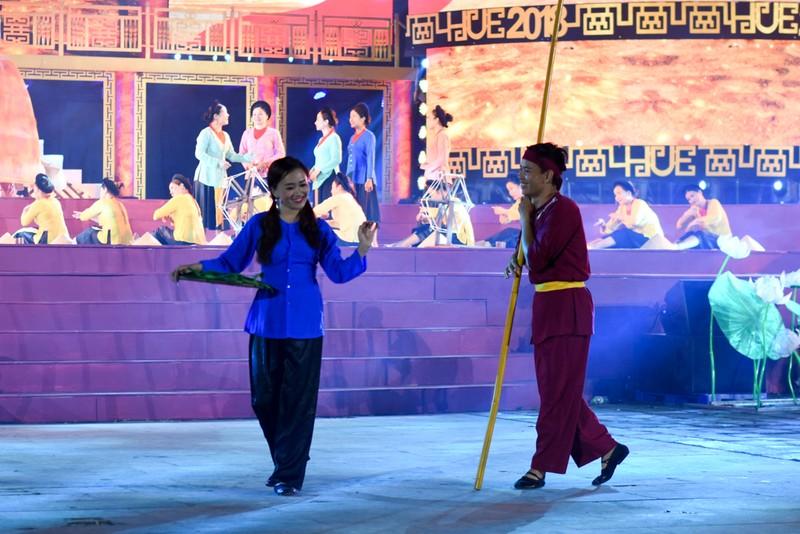 Dân cố đô náo nức xem tổng duyệt khai mạc Festival Huế - ảnh 5
