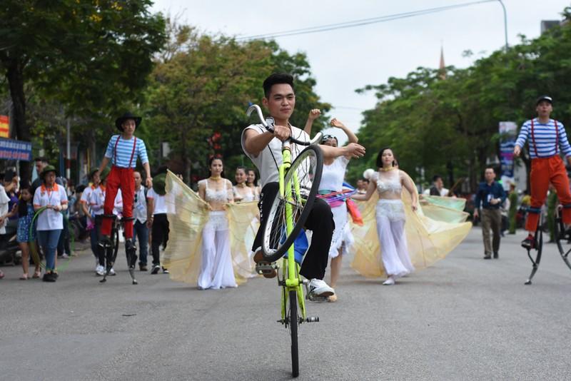 Chùm ảnh: Say mê với lễ hội đường phố 'Sắc màu văn hóa' - ảnh 8