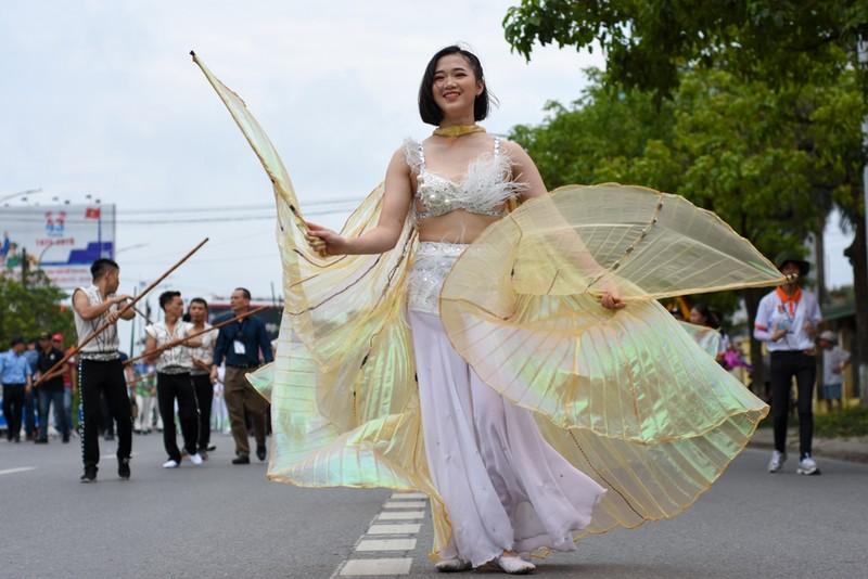 Chùm ảnh: Say mê với lễ hội đường phố 'Sắc màu văn hóa' - ảnh 1