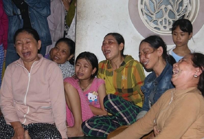Đám tang nhói lòng 12 người trong họ vụ xe rước dâu gặp nạn - ảnh 6