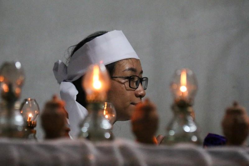 Đám tang nhói lòng 12 người trong họ vụ xe rước dâu gặp nạn - ảnh 11