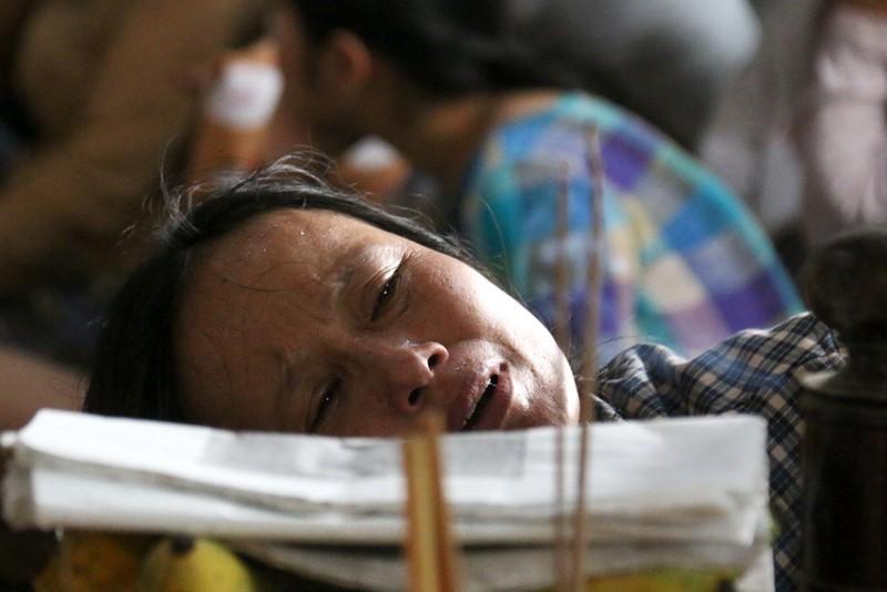 Đám tang nhói lòng 12 người trong họ vụ xe rước dâu gặp nạn - ảnh 7