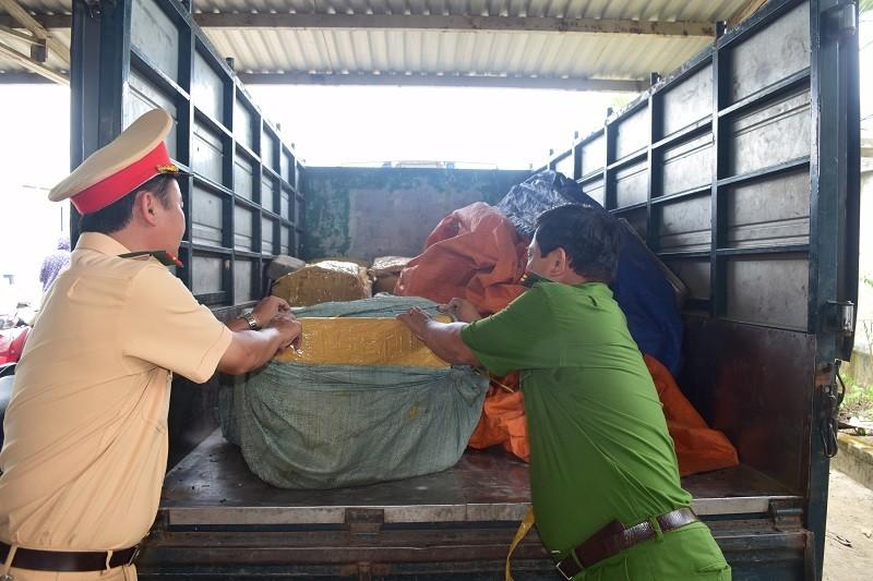 840 kg sụn gà không nguồn gốc suýt nữa lên bàn ăn - ảnh 1