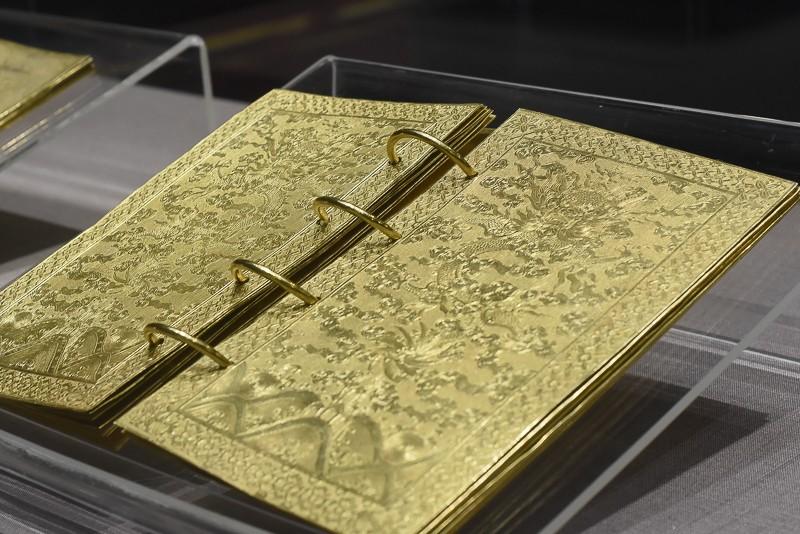 Đến Huế ngắm rồng - phượng trên bảo vật triều Nguyễn - ảnh 8