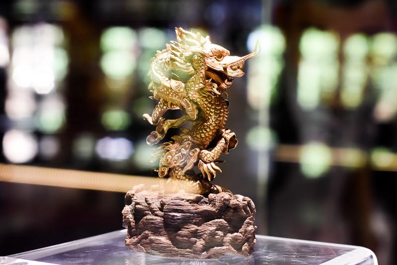 Đến Huế ngắm rồng - phượng trên bảo vật triều Nguyễn - ảnh 3
