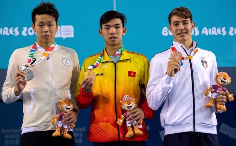 Khen thưởng kình ngư Nguyễn Huy Hoàng đạt HCV Olympic trẻ 2018 - ảnh 1