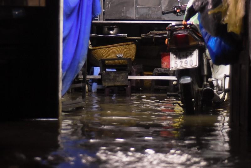 Nhiều nơi tại Quảng Trị ngập sâu sau trận mưa xối xả - ảnh 10