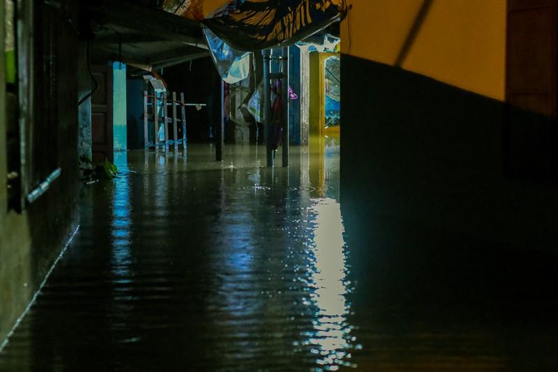 Nhiều nơi tại Quảng Trị ngập sâu sau trận mưa xối xả - ảnh 1