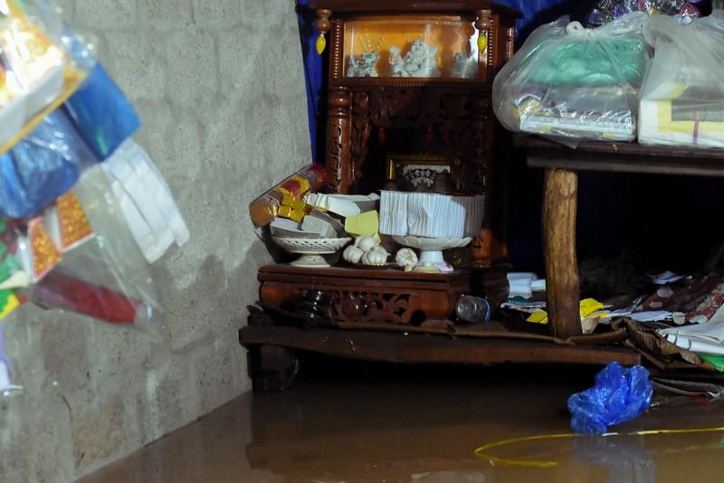 Nhiều nơi tại Quảng Trị ngập sâu sau trận mưa xối xả - ảnh 9