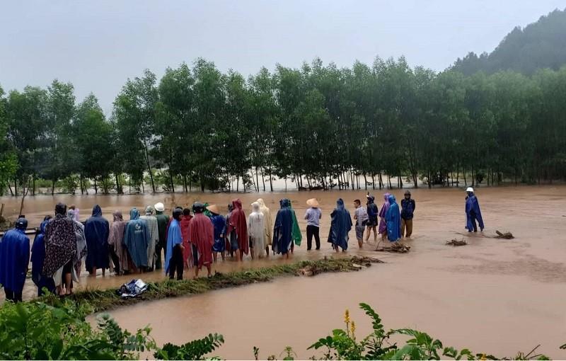 Thừa Thiên-Huế: Nam thanh niên bị nước lũ cuốn mất tích - ảnh 1