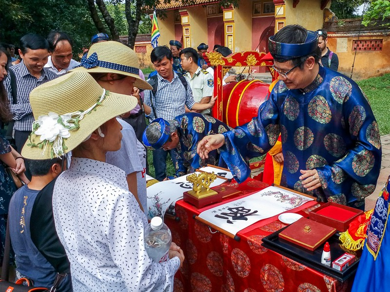 Tái hiện lễ hạ nêu, khai ấn trong hoàng cung Huế - ảnh 8