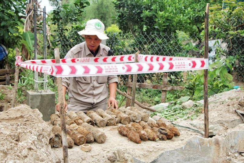 Phát hiện quả bom gần 350kg khi đào móng nhà - ảnh 2