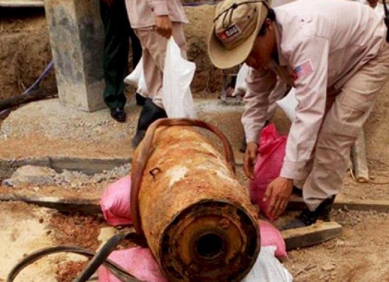 Phát hiện quả bom gần 350kg khi đào móng nhà - ảnh 1