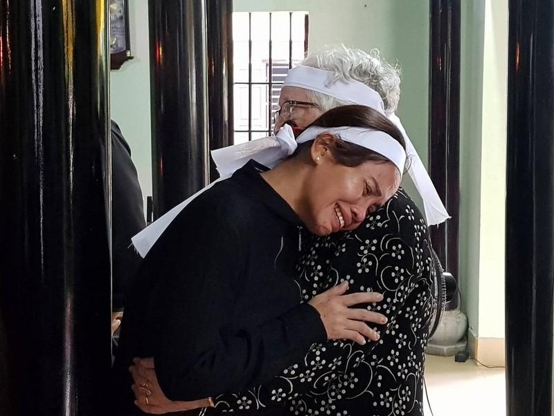 Người thân ở quê hương khóc tại lễ viếng Đại tướng Lê Đức Anh - ảnh 4