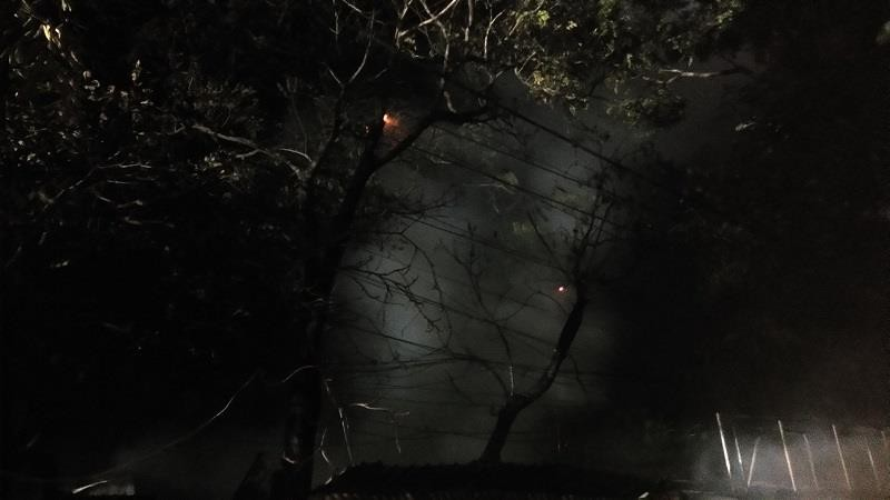 Xưởng gỗ, quán cafe ở Huế bốc cháy trong đêm - ảnh 3