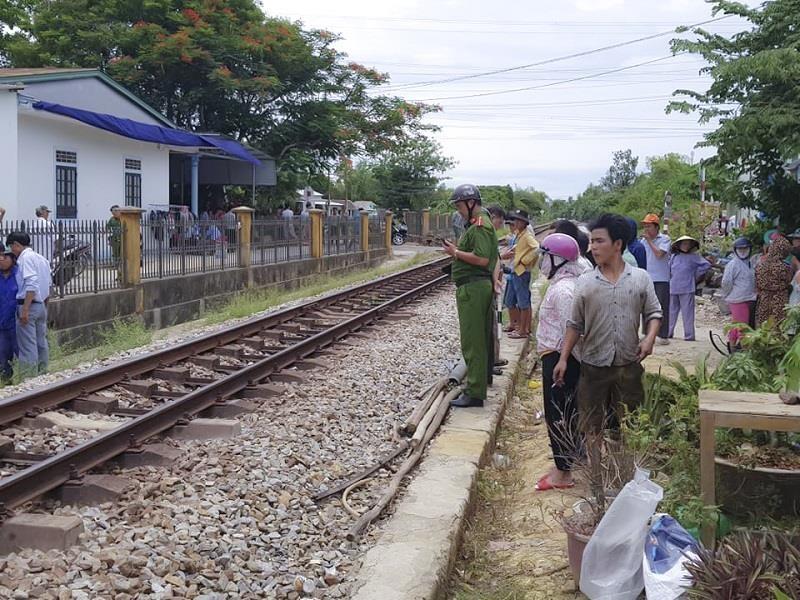 Băng qua đường sắt, người đàn ông bị tàu tông tử vong - ảnh 1