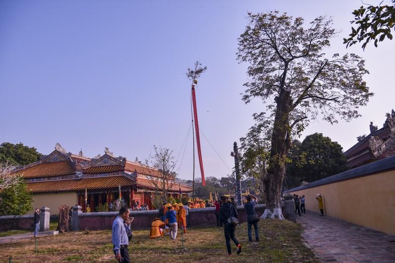 Huế dựng cây nêu đón Tết bằng nghi thức Cung Đình - ảnh 5