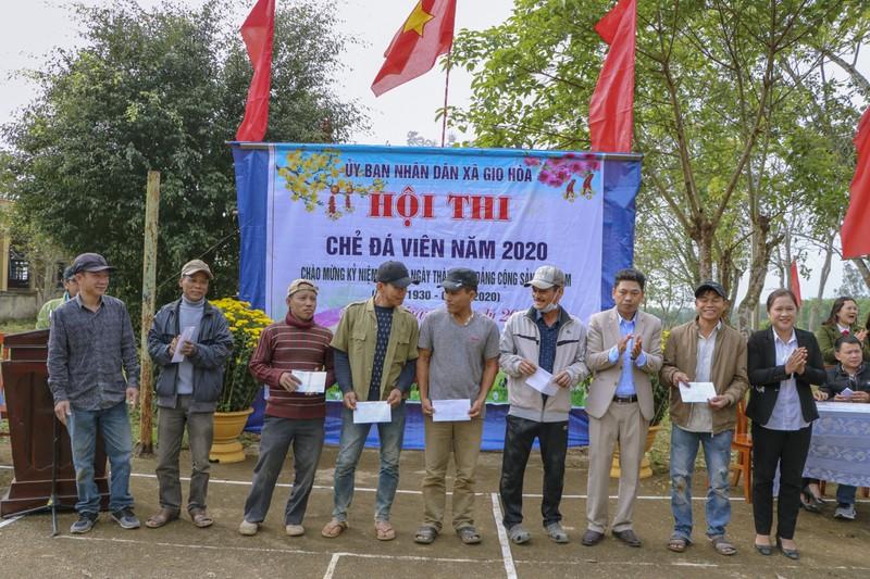 Độc đáo hội thi chẻ đá mồ côi ngày đầu xuân ở Quảng Trị - ảnh 9