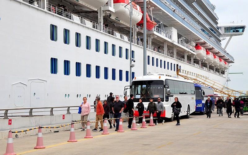Huế lên tiếng vụ du thuyền có người bị nCoV ghé cảng Chân Mây - ảnh 1