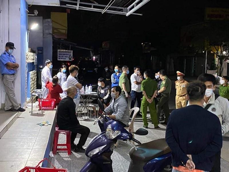 4 người Trung Quốc khai nhập cảnh trái phép để trốn dịch - ảnh 1
