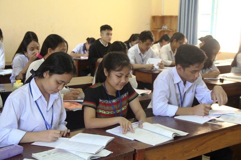 Học sinh THPT Thừa Thiên-Huế nghỉ học hết ngày 15-3 - ảnh 1