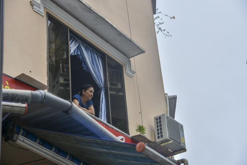 Phố Tây ở Huế trong ngày đầu vận động tạm ngừng hoạt động - ảnh 9