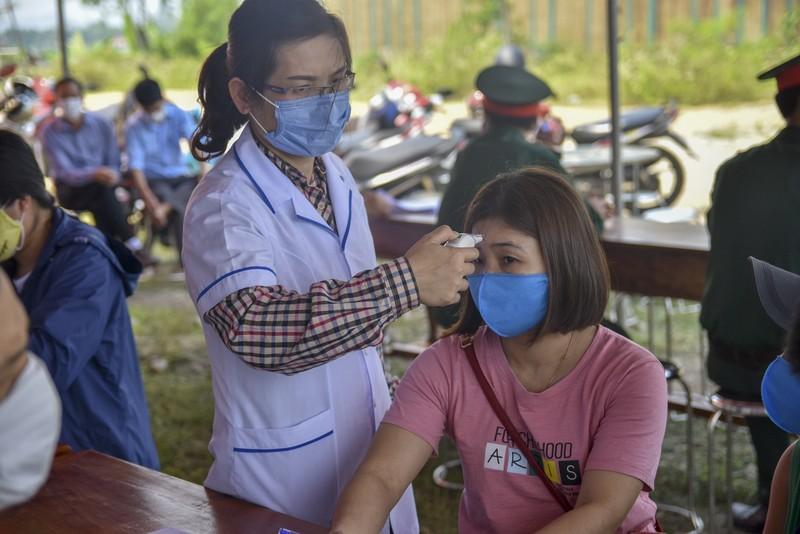 Thừa Thiên-Huế bắt đầu kiểm tra y tế tại các chốt chặn - ảnh 3