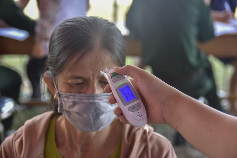 Thừa Thiên-Huế bắt đầu kiểm tra y tế tại các chốt chặn - ảnh 6