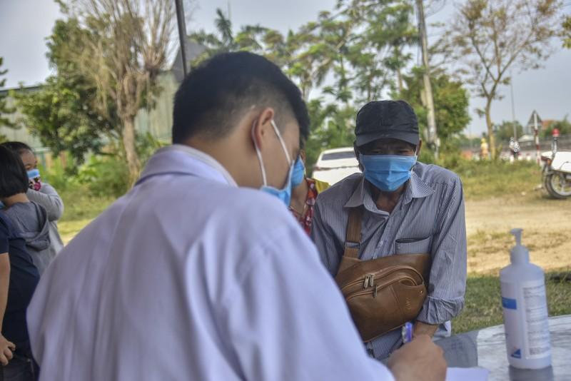 Thừa Thiên-Huế bắt đầu kiểm tra y tế tại các chốt chặn - ảnh 5
