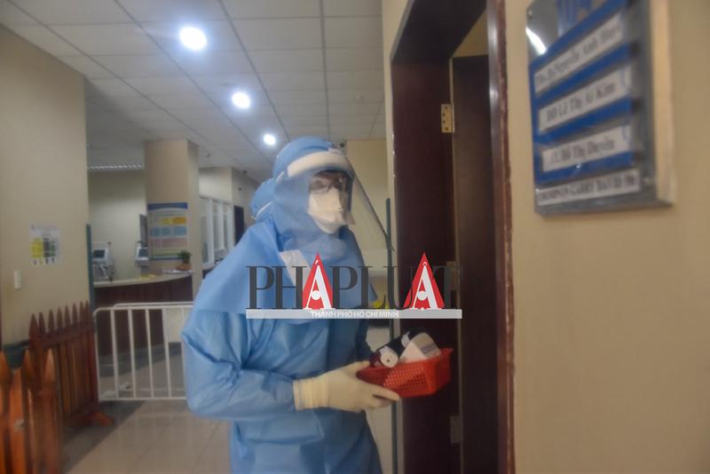 Phóng sự ảnh: Bên trong khu điều trị bệnh nhân COVID-19 Huế - ảnh 9