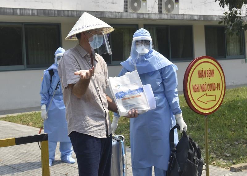 Huế: Bệnh nhân 33 mắc COVID-19 được xuất viện - ảnh 3