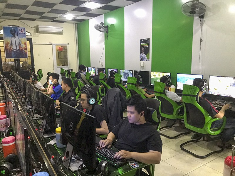 Quán Internet lén mở cửa phục vụ hơn 50 game thủ - ảnh 1