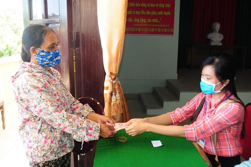 Nghỉ lễ, người dân Huế được nhận hỗ trợ từ gói 62.000 tỉ đồng - ảnh 3