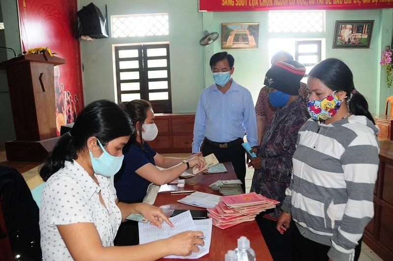Nghỉ lễ, người dân Huế được nhận hỗ trợ từ gói 62.000 tỉ đồng - ảnh 4