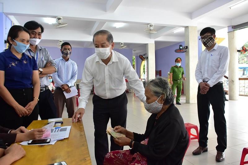 Nghỉ lễ, người dân Huế được nhận hỗ trợ từ gói 62.000 tỉ đồng - ảnh 1