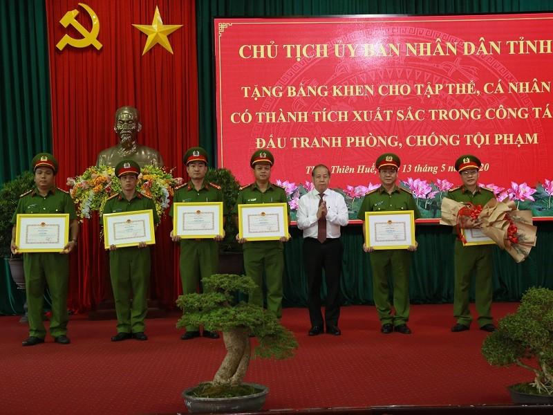 Thừa Thiên-Huế khen thưởng lực lượng phá chuyên án ma túy - ảnh 1