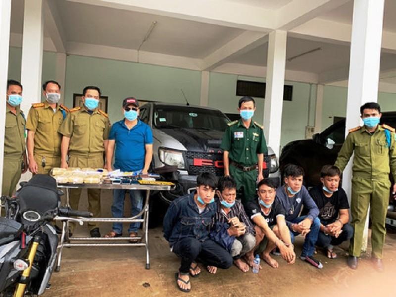 Bắt 5 người Lào vận chuyển 60.000 viên ma túy qua biên giới - ảnh 1