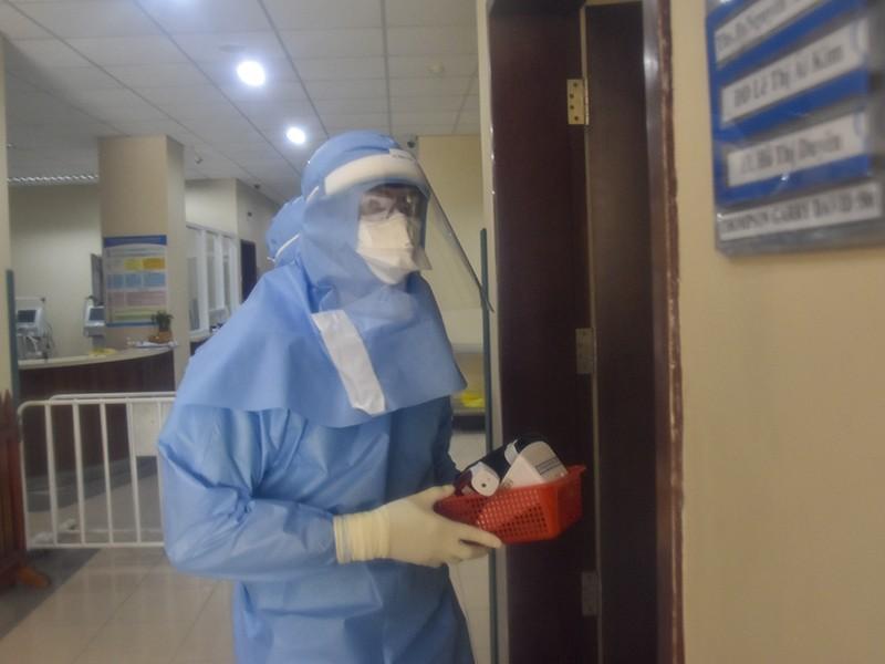 Bệnh viện Trung ương Huế công bố 6 người khỏi bệnh COVID-19 - ảnh 1