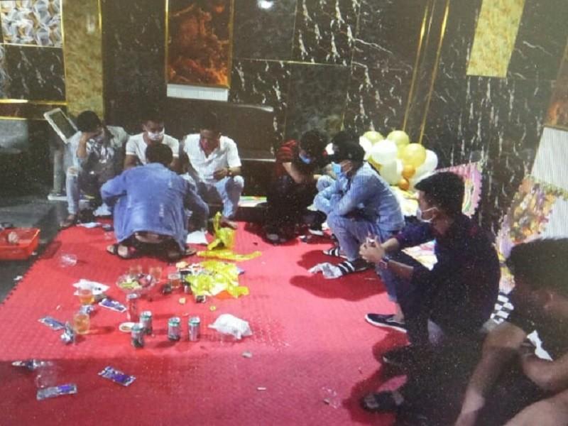 14 người dương tính với ma túy tại tầng hầm quán karaoke - ảnh 1