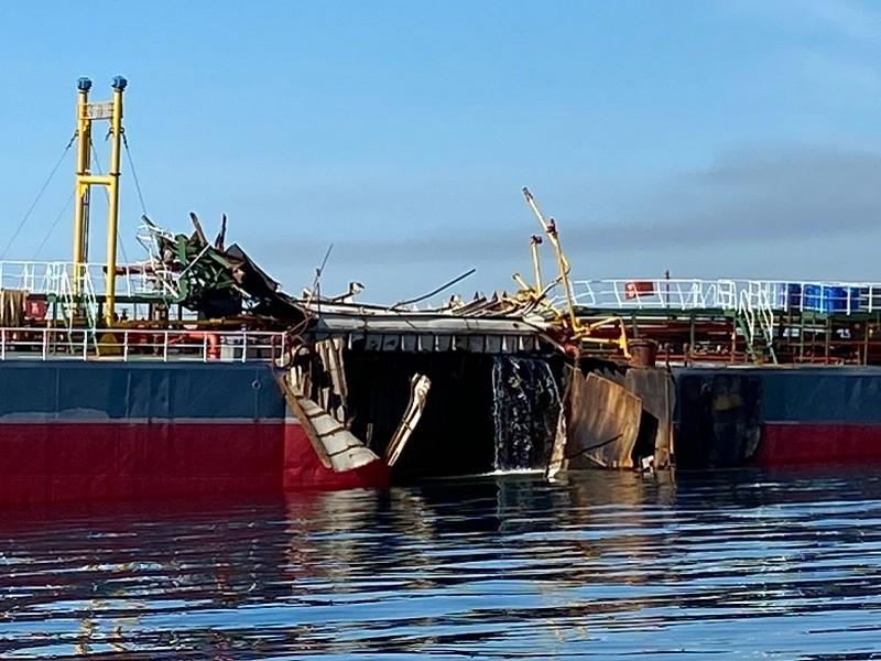 Nổ tàu chở dầu trên vùng biển Quảng Ngãi - ảnh 1