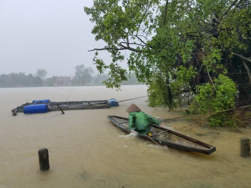 Huế: Thủy điện xả 1800m3/s, người dân lo lắng - ảnh 2