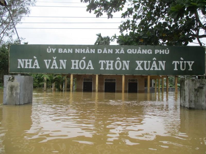 Nước sông Quảng Trị lên trở lại, Huế đạt đỉnh lũ lịch sử - ảnh 2